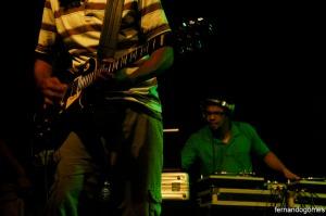 Ficamos na torcida de que a banda lance logo um disco com as músicas que apresentaram ao vivo.